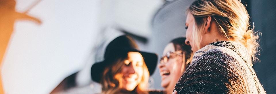 Lekker in je vel zitten door te lachen met vriendinnen