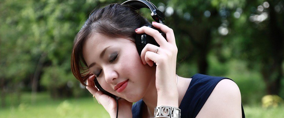 Muziek luisteren is 1 van de beste ontspanningsoefeningen tegen stress