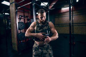 trainen met een gewichtsvest - 5 zware oefeningen