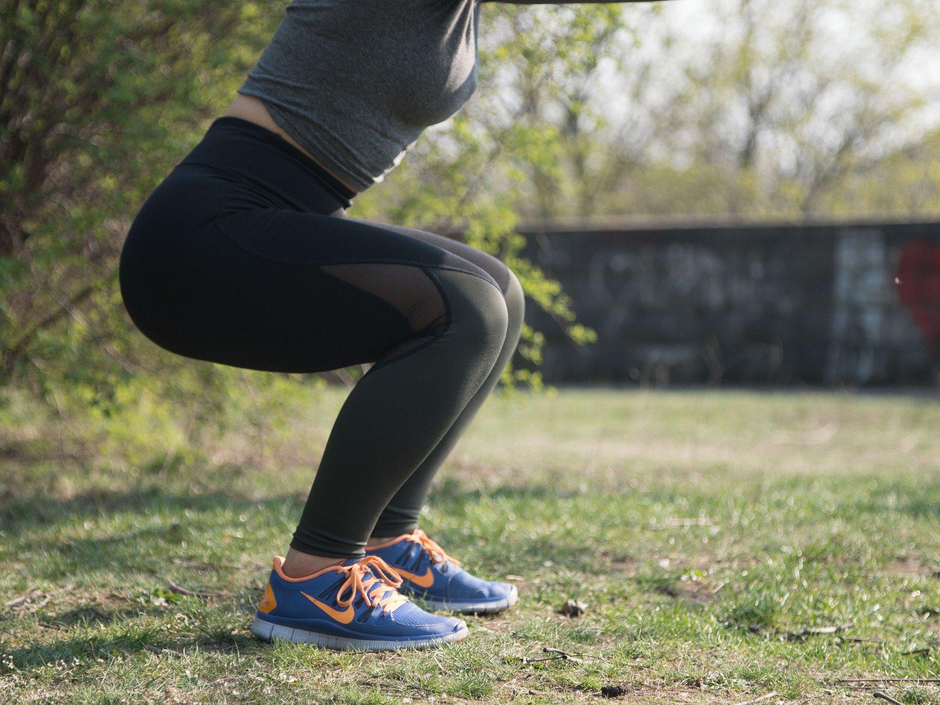 squat oefeningen voor thuis